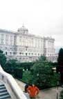 Мадрид, королевский дворец, парк перед дворцом